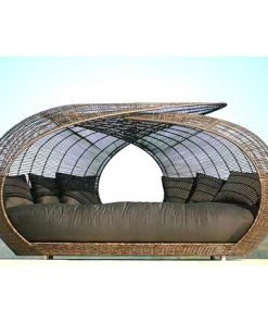 Wicker outdoors daybed